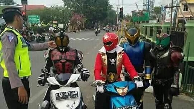 Kamen Rider Ditilang