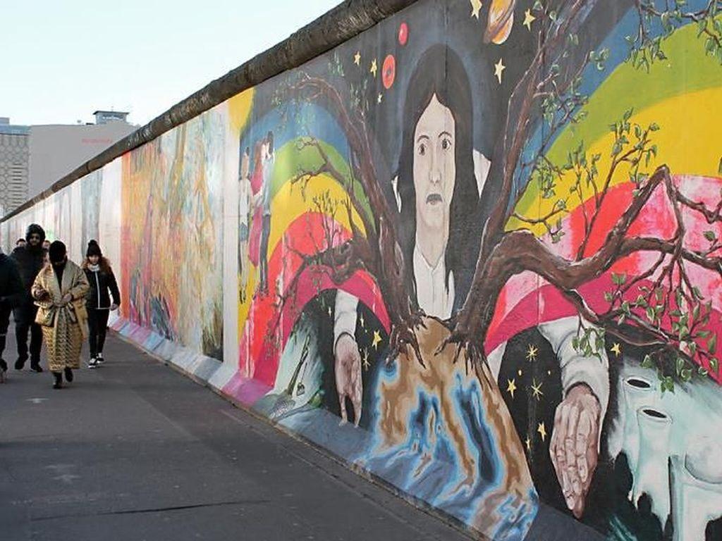 Memperingati Korban Tembok Berlin 57 Tahun Lalu