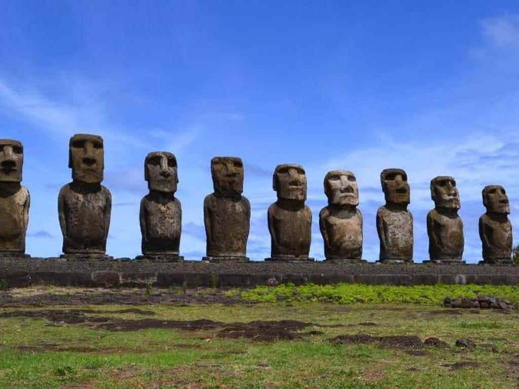 Duh, Patung Moai di Pulau Paskah Tertabrak Mobil