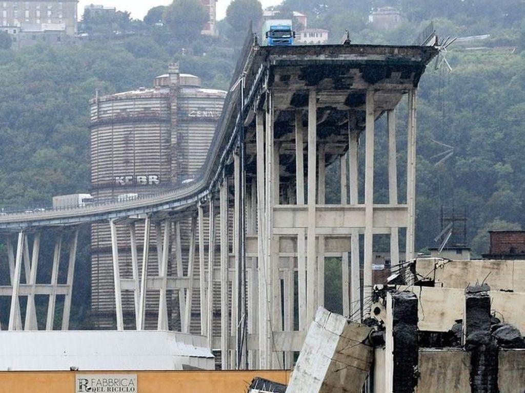 Jembatan Layang di Italia Ambruk, Korban Tewas Jadi 35