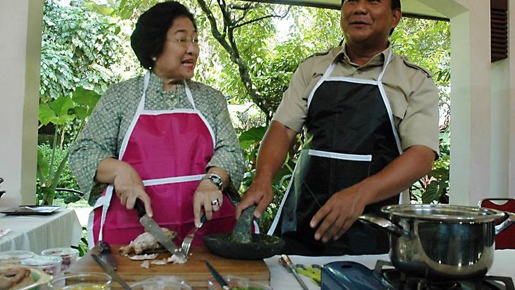 Makan Kerak Telor hingga Masak Bersama Prabowo, Ini Gaya Kulineran Megawati