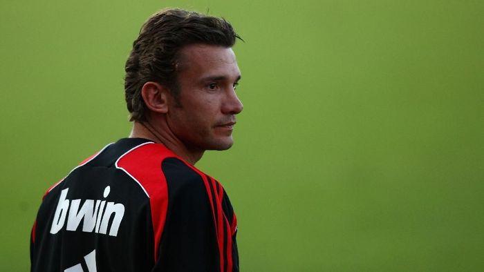 Musim 2008/2009, Milan meminjam Andriy Shevchenko dari Chelsea. Foto: Ryan Pierse/Getty Images