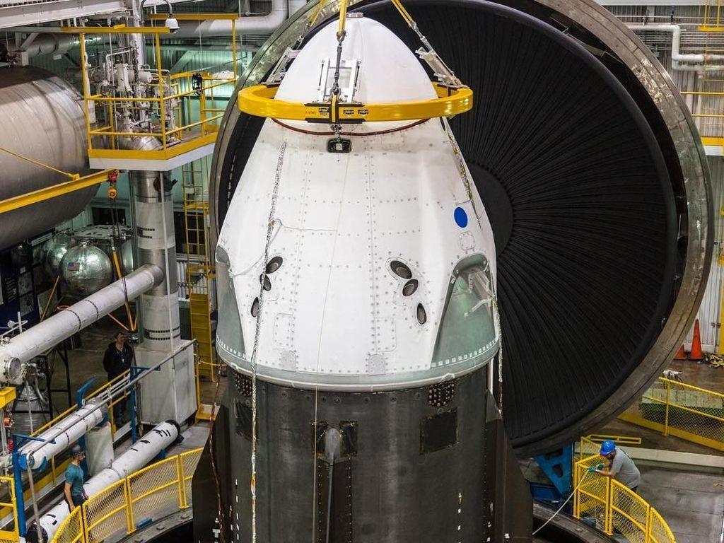 SpaceX Bersiap Uji Coba Kapsul Antariksanya