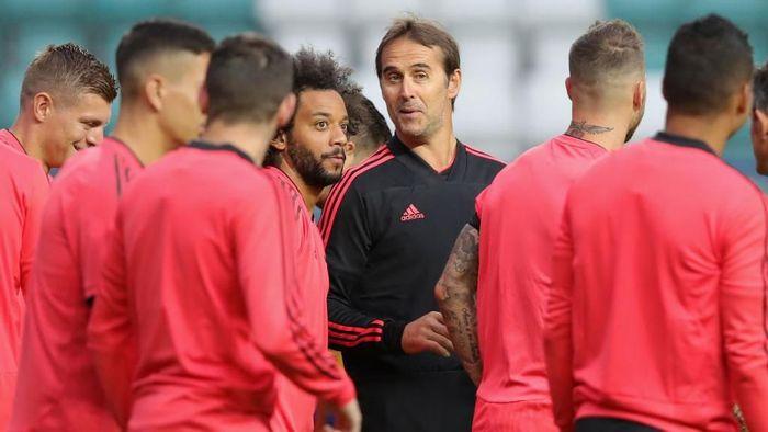 Julen Lopetegui akan segera memainkan pertandingan kompetitif pertamanya bersama Real Madrid (Foto: Alexander Hassenstein/Getty Images)