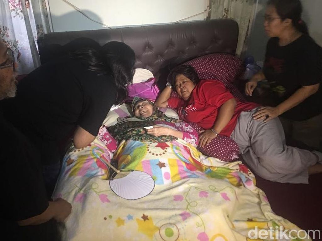 Rano Karno Sampaikan Kabar Terbaru Kondisi Aminah Cendrakasih