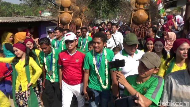 Disopiri Dedi Mulyadi, Lima Pemain Timnas U-16 Diarak di Purwakarta