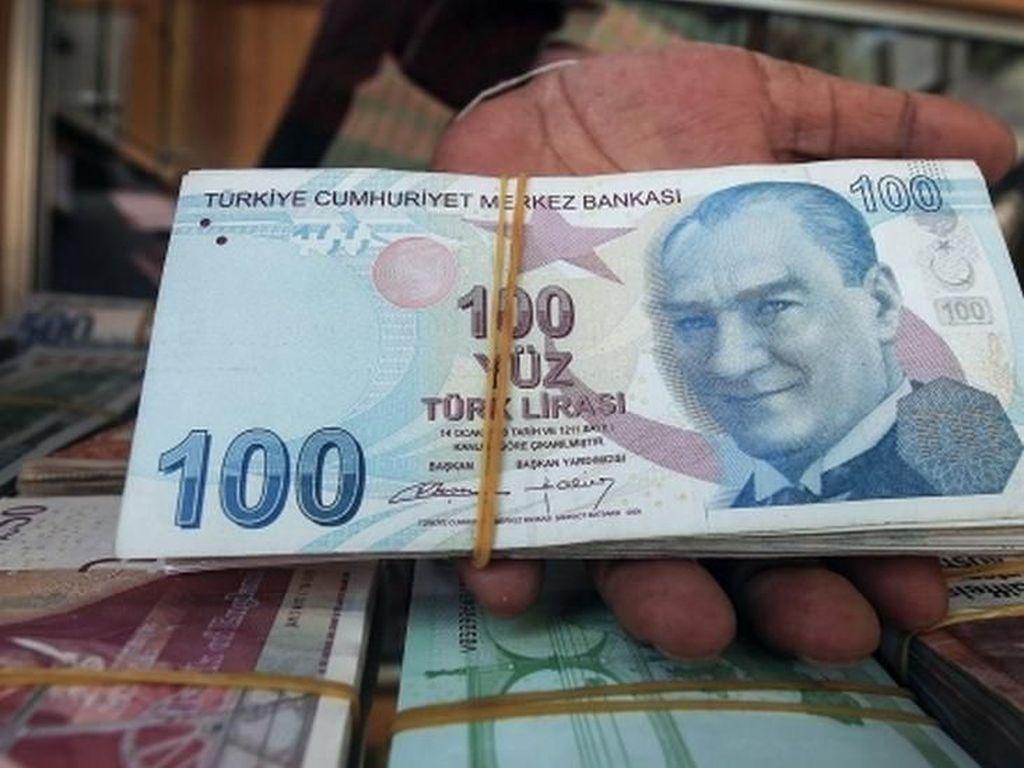 Erdogan Selidiki 346 Akun Medsos yang Bully Lira Turki