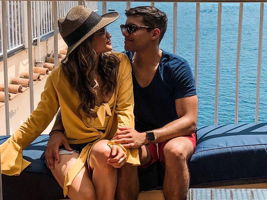 Foto: Mesranya Liburan Cinta Laura dan Kekasih di Italia