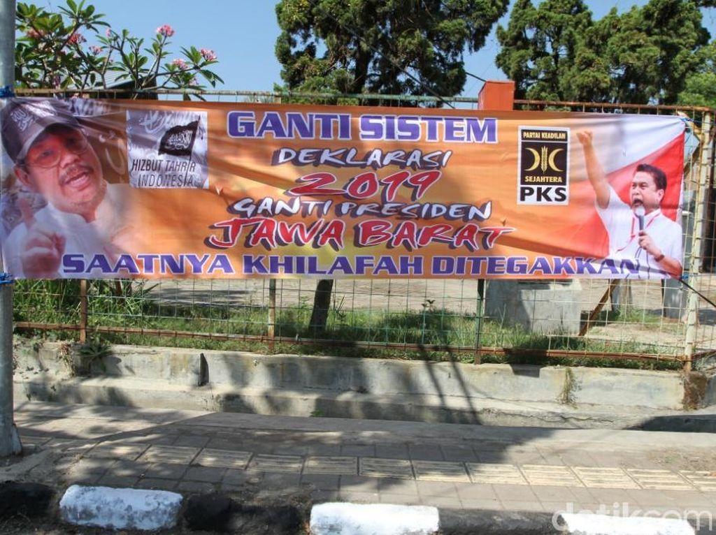 Spanduk PKS-HTI Dukung #2019GantiPresiden di Bandung Dibongkar