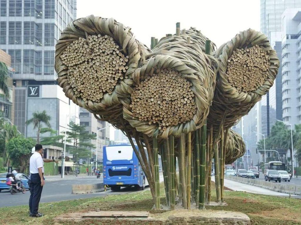 Pasang Bambu di Bundaran HI, Anies: Ini Karya Seni Tak Ternilai