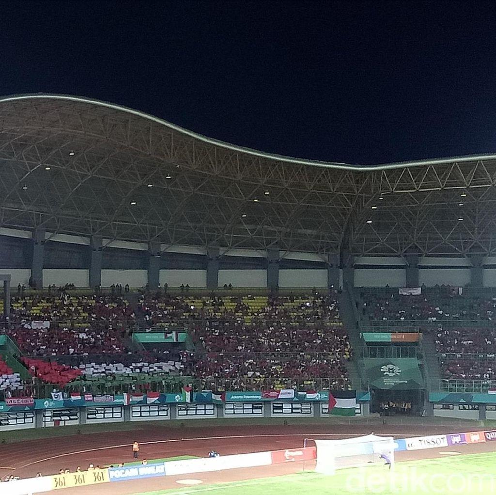 Muncul Koreografi Bendera Merah Putih di Tribune Stadion Patriot