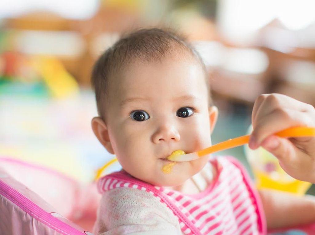 Bubur Bayi Organik, Pilihan di Momen Makan Pertama si Kecil