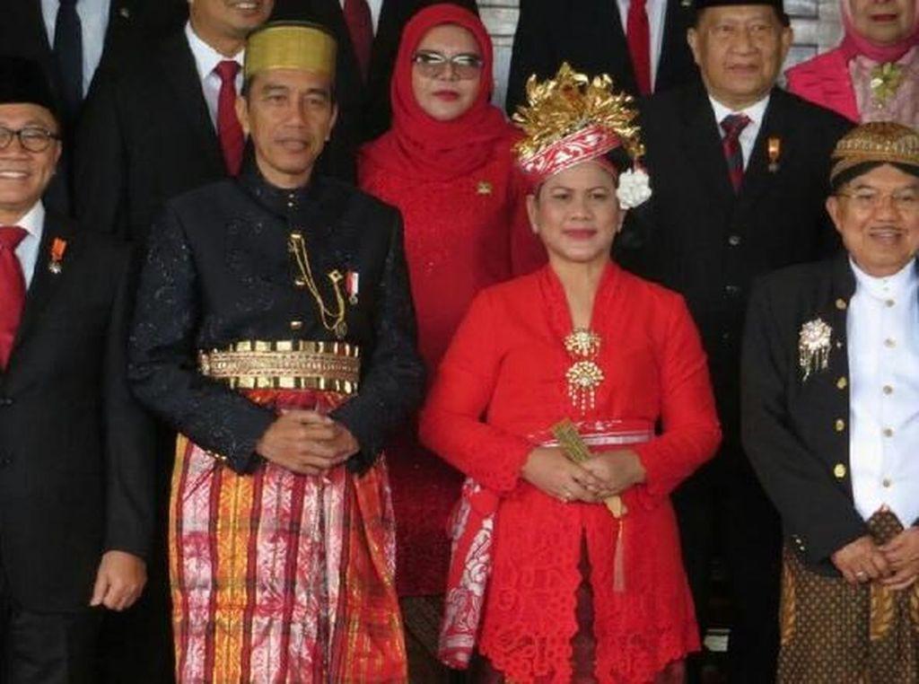 Dulu Berbaju Adat Bugis, Jokowi Kini Berjas Biru di Sidang Tahunan
