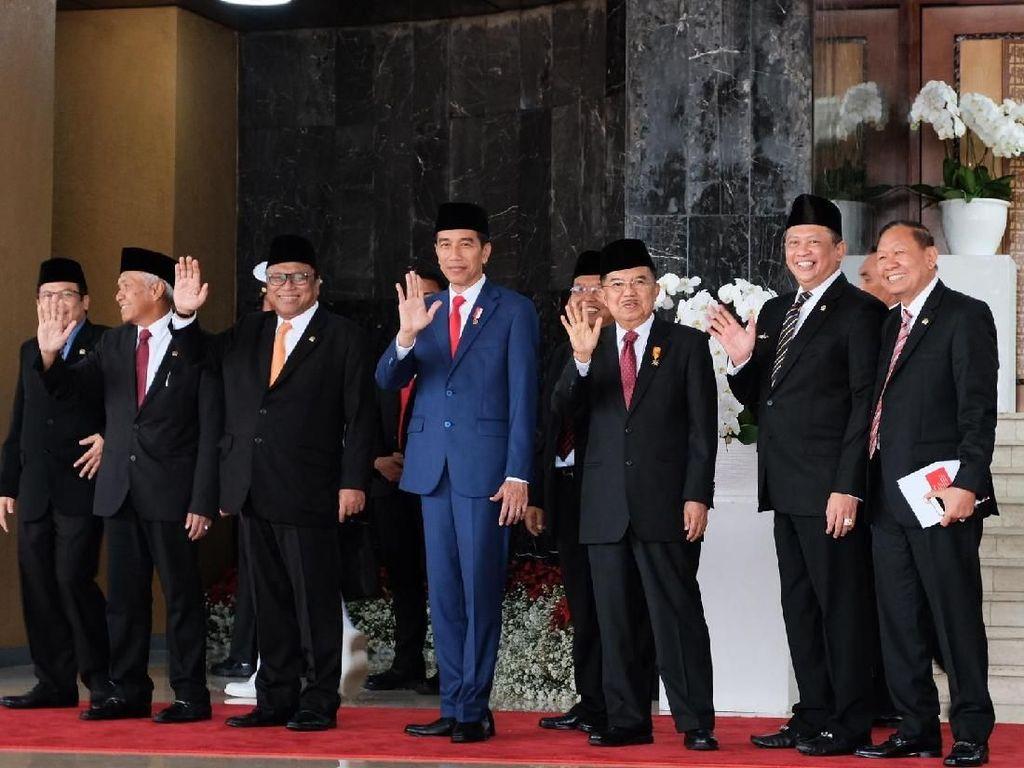 Saat Jokowi Freeze Lambaikan Tangan Seusai Sidang Tahunan