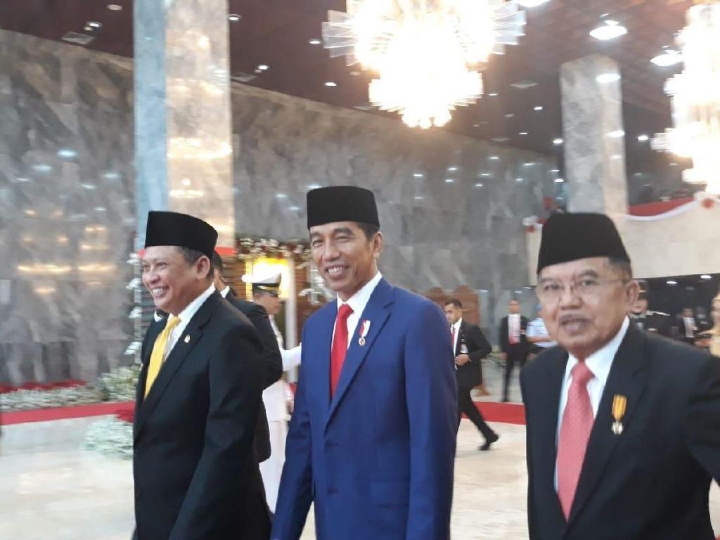 Buka Masa Sidang DPR, Bamsoet Lempar Pantun soal Jokowi dan Prabowo