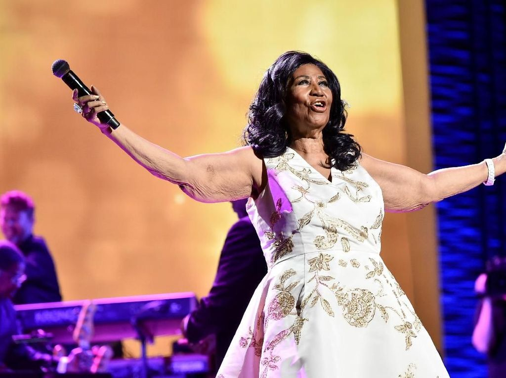 Meninggal, Aretha Franklin Ganti Baju 3 Kali Sebelum Dikuburkan
