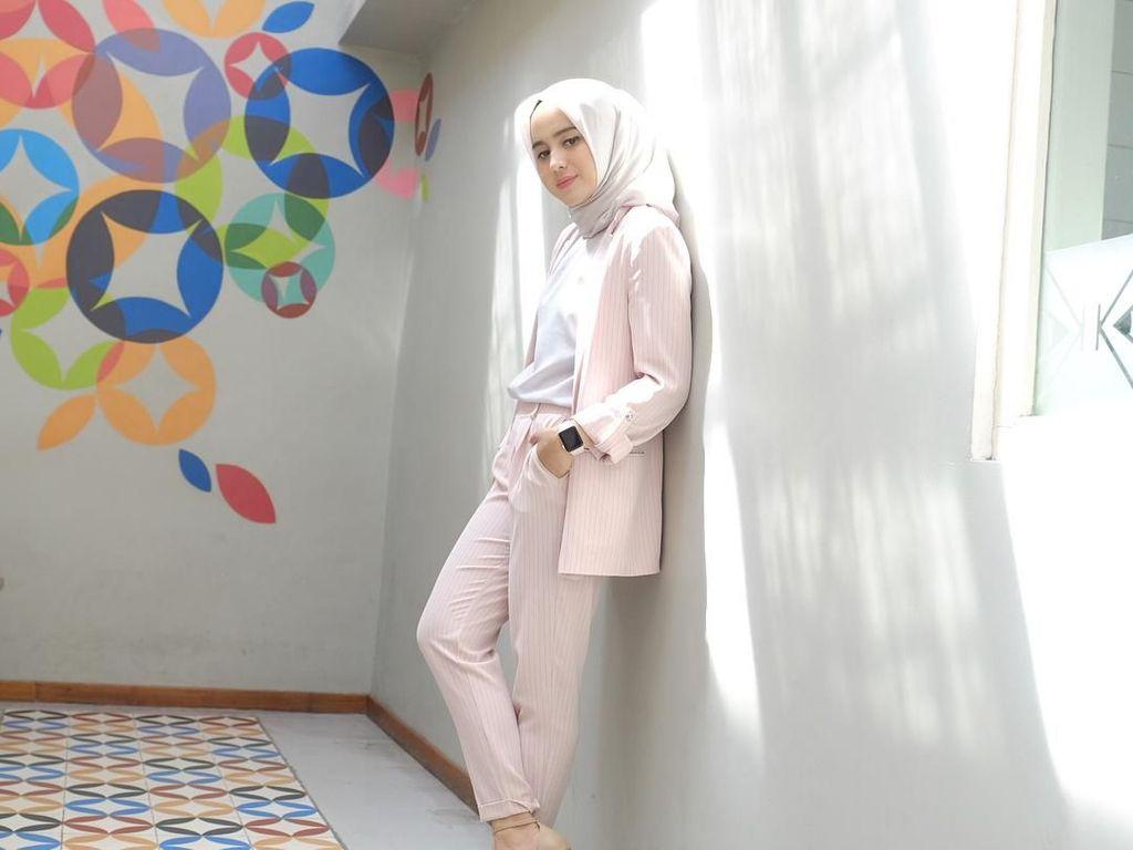 Ayu Tenan, Ini Potret Psikolog Cantik Berhijab asal Yogyakarta
