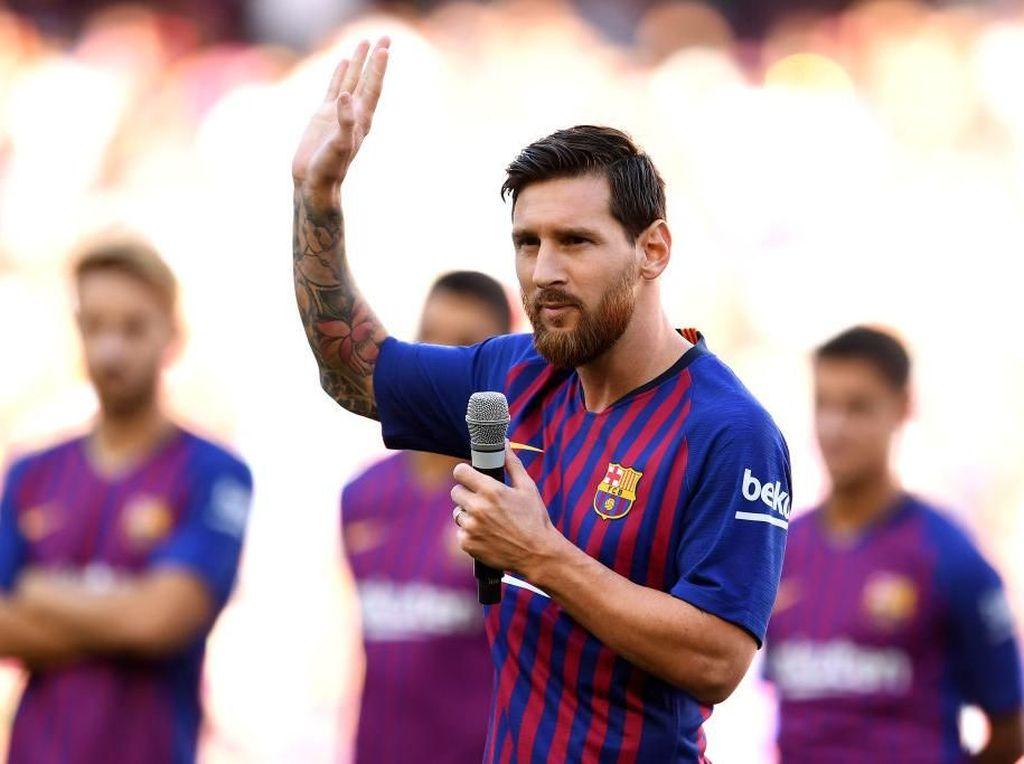 Nikmati Libur Jeda Internasional, Messi Antar Anak ke Sekolah