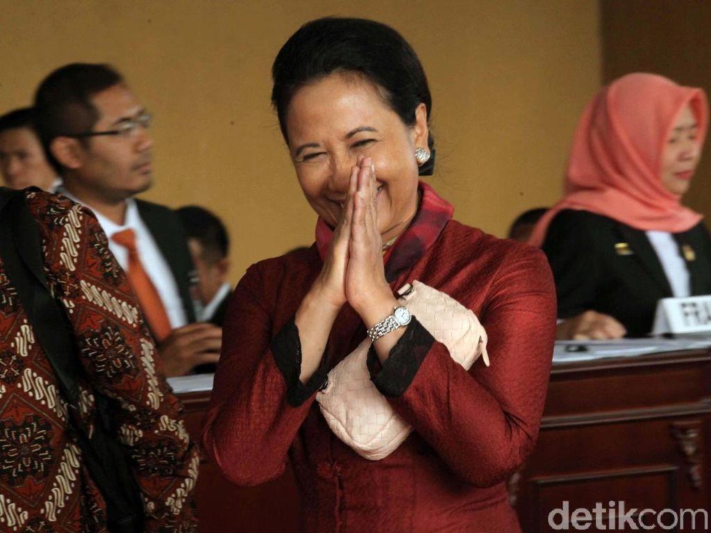 Listrik Jakarta-Tangsel Sempat Mati, Rini: Saya Mohon Maaf