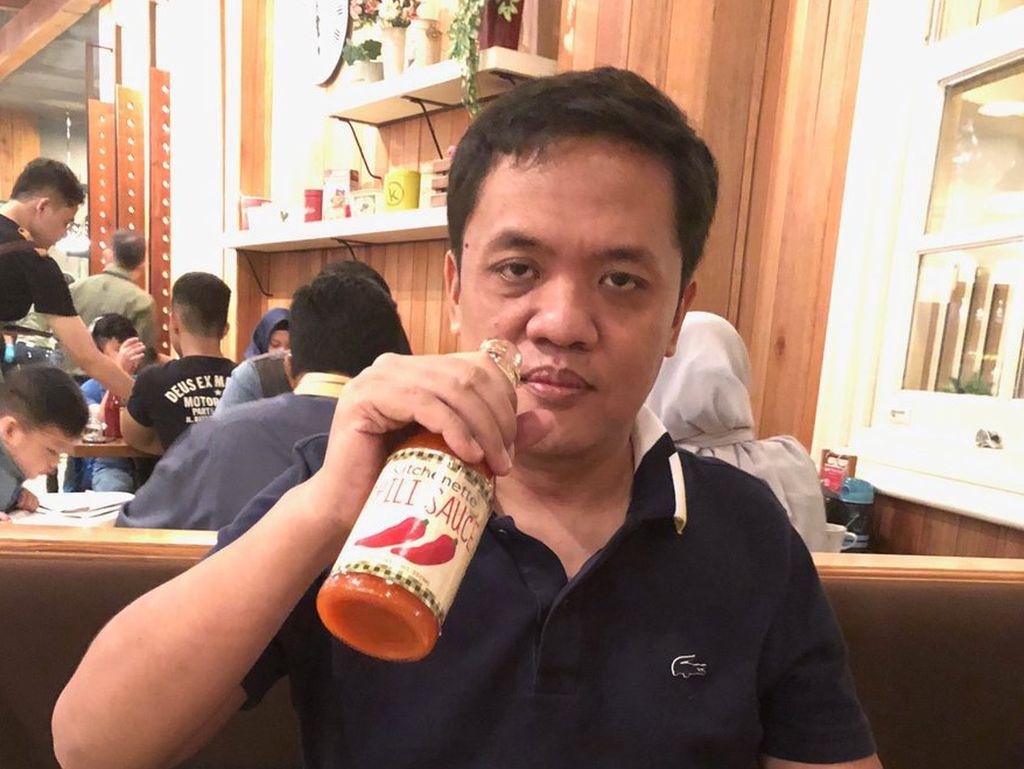 Gaya Nyeleneh Habiburokhman, Makan Pake 2 Sendok Hingga Makan Nasi Pake Kerupuk