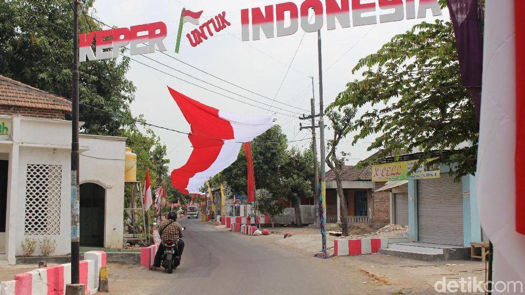 Wah, Bendera Merah Putih 350 Meter Rindangi Jalan Desa di Sidoarjo