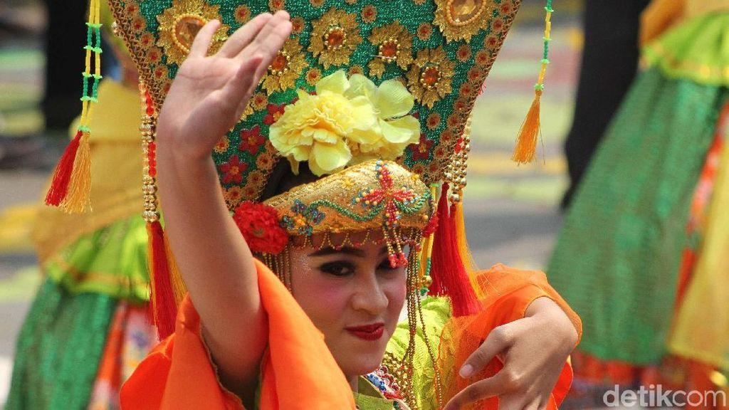 Tarian Betawi Sambut Obor Asian Games 2018