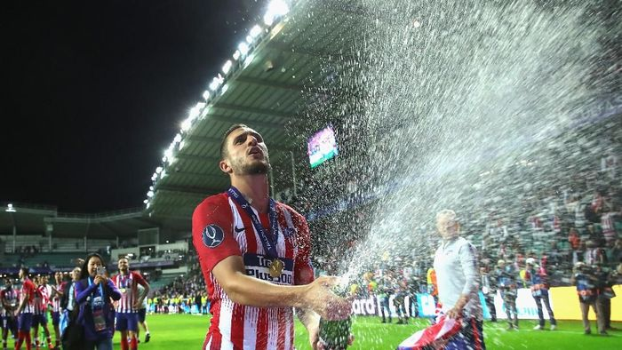 Atletico Madrid juara Piala Super Eropa. (Foto: Alexander Hassenstein/Getty Images)