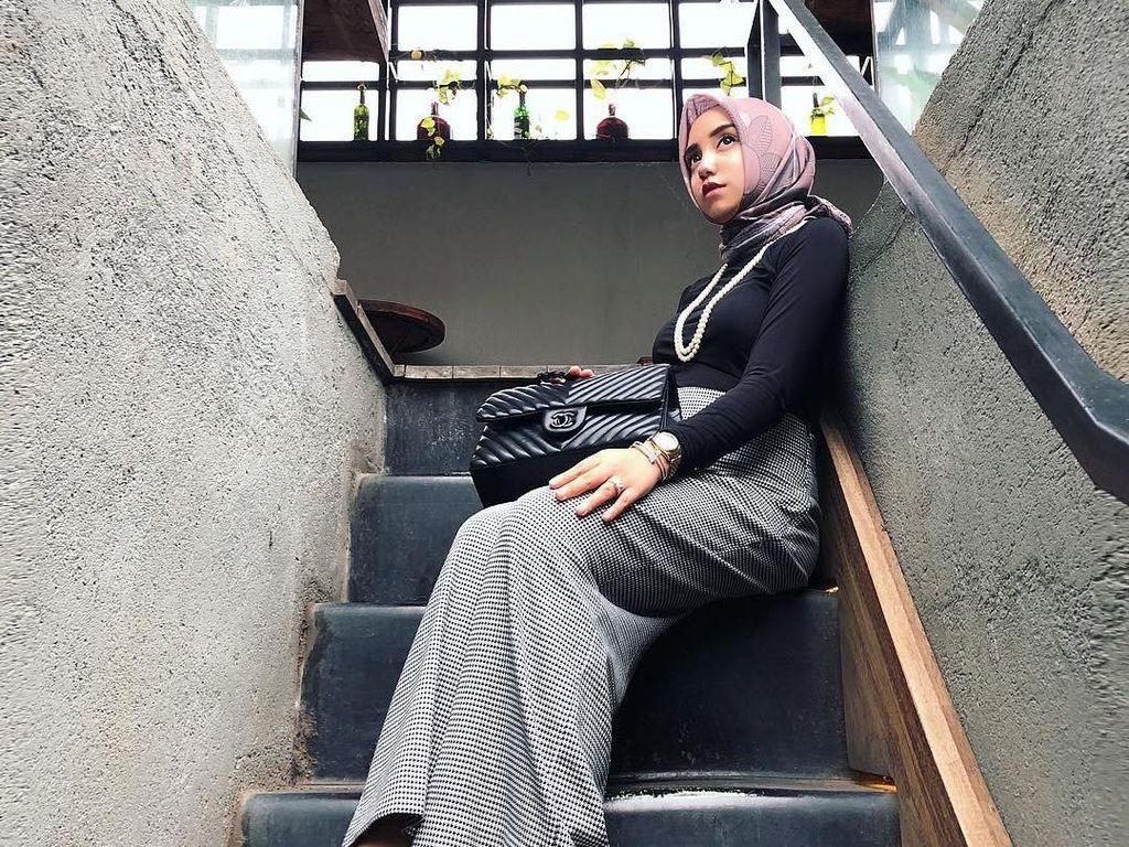 Komentar Nyinyir Salmafina Soal Foto Melet Taqy Malik