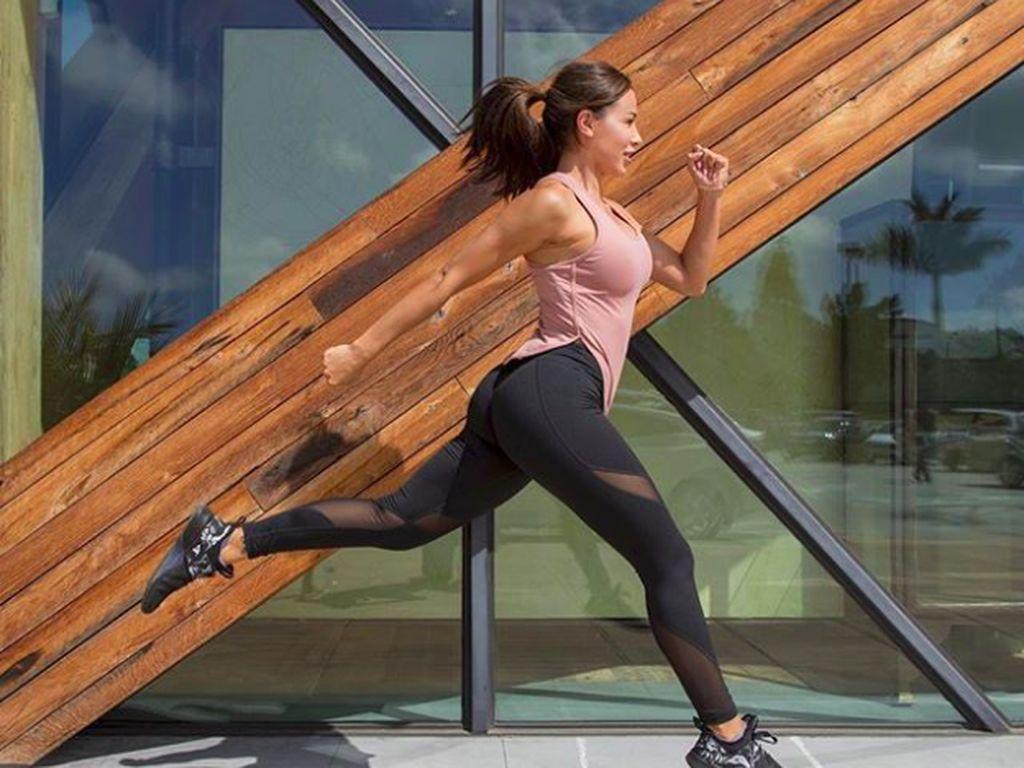 Bugar Abis! Ini Ana Cheri, Fitness Model yang Punya Bokong Seksi