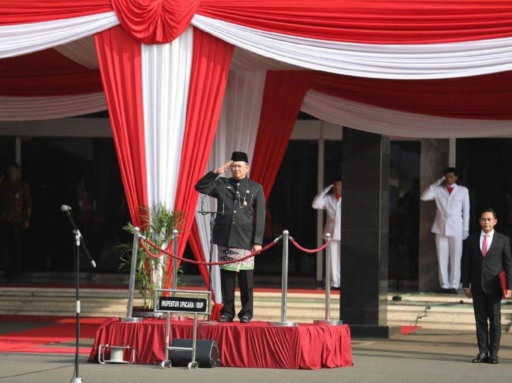 Bamsoet Bacakan Teks Proklamasi Upacara HUT Ke-73 RI di Istana