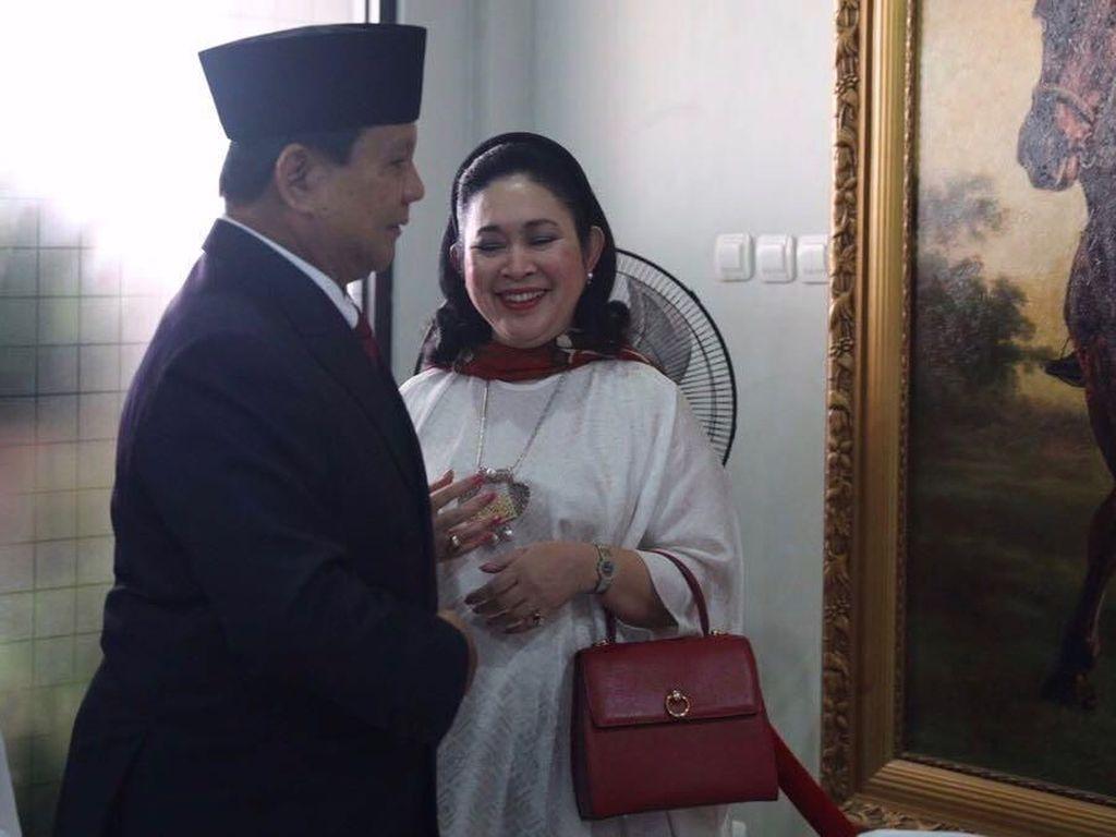Cerita Ustaz Sambo Doakan Prabowo-Titiek Bersatu Kembali