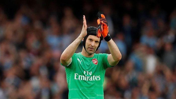 Petr Cech masih jadi kiper utama Arsenal saat ini (John Sibley/Reuters)