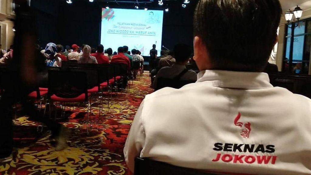 Pelatihan Sosmed Seknas Jokowi