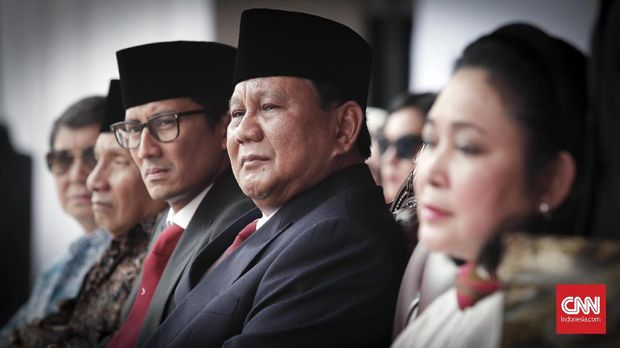 Salah satu momen kebersamaan capres nomor urut 02 Prabowo Subianto dan politikus Partai berkarya Titiek Soeharto, yang merupakan mantan isterinya.