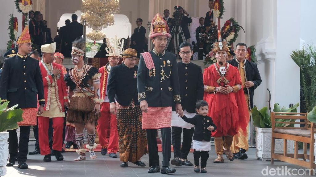 Foto: Lucunya Jan Ethes Diajak Jokowi Keliling Istana
