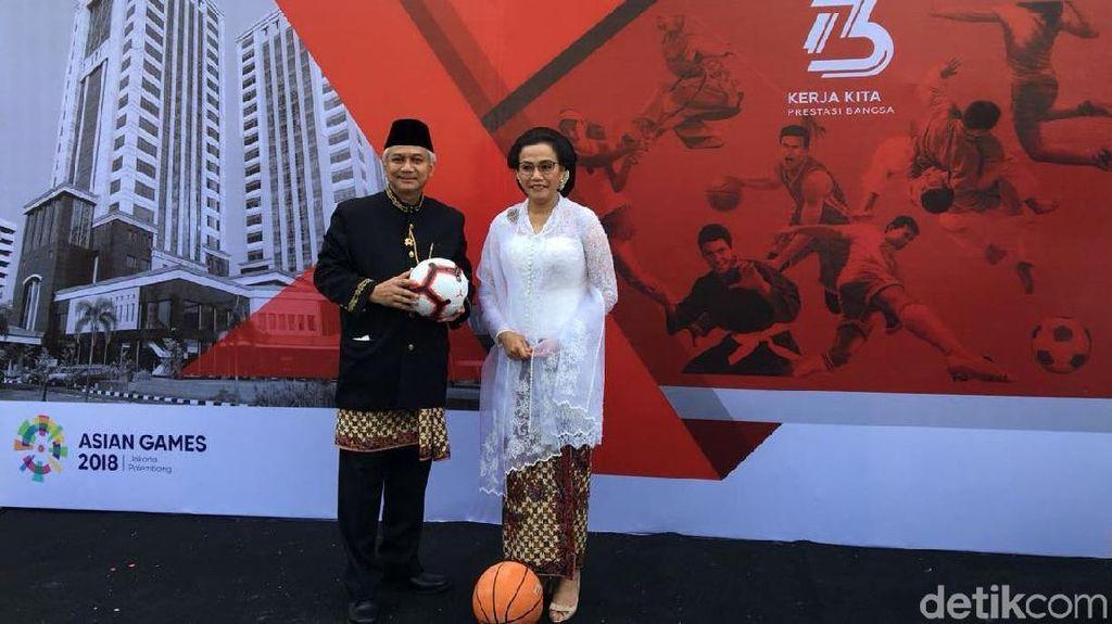 Macam Gaya Menteri Ekonomi Jokowi Rayakan HUT RI