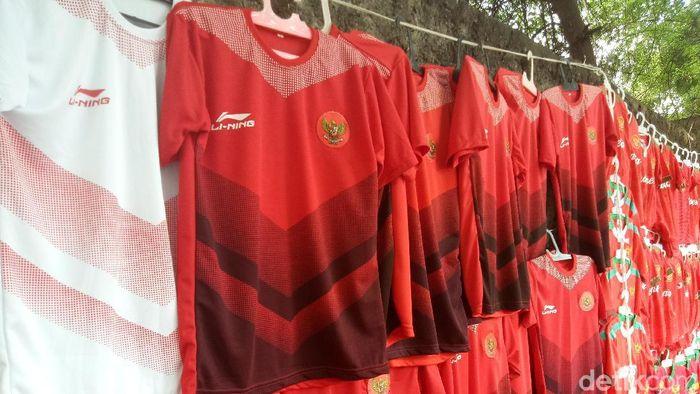 f94468f054f Jersey timnas Indonesia laris (Foto  Amalia Dwi Septi detikSport)
