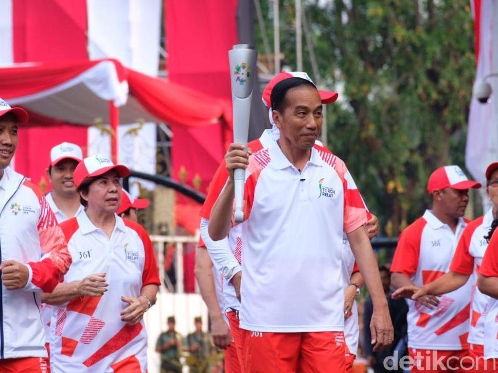 Torch Relay di Istana, Obor yang Dipegang Jokowi Mati