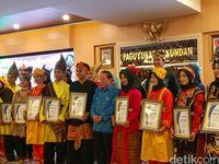 Kisah Tim Angklung Pasundan: Habis Duit, Ngamen dan Juara Dunia