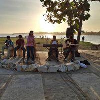 Menikmati Sore Romantis di Pasar Sunset Laguna Depok