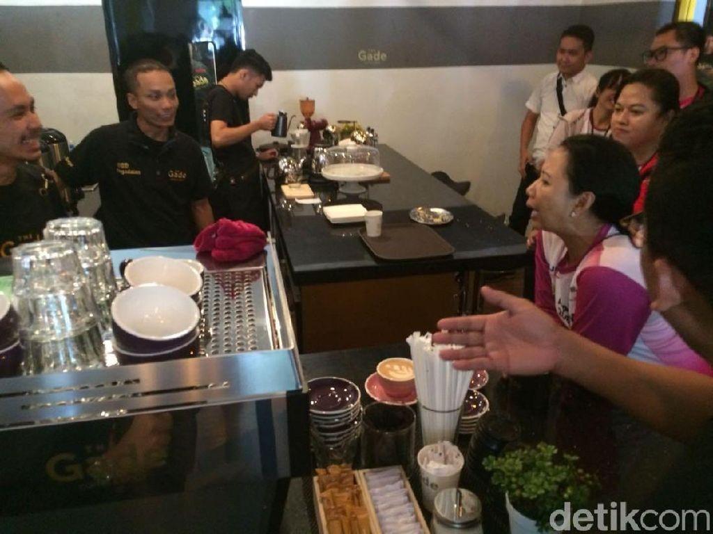 Sabtu Pagi, Rini dan Bos BUMN Seruput Kopi di Bogor