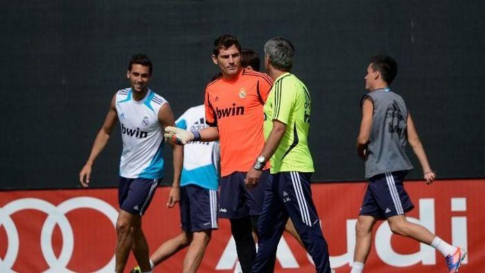 Casillas dan Mourinho terlibat perselisihan semasa di Madrid. (Foto: Kevork Djansezian/Getty Images/AFP)