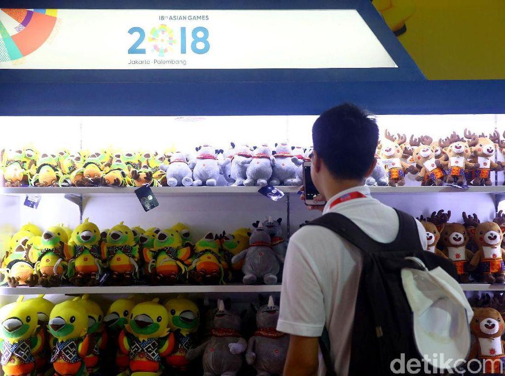 Boneka Maskot Asian Games Ludes Sejak Siang, Diisi Lagi Besok