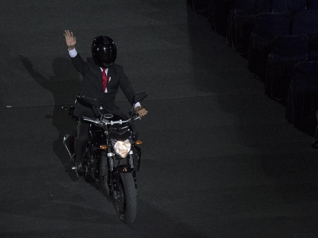Potret Aksi Stuntman Jokowi dan Video di Opening Asian Games