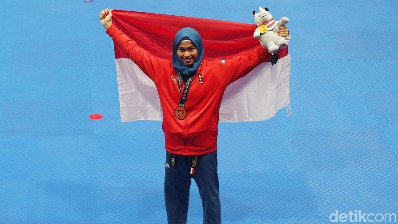Menpora Harap Emas Defia Menular ke Atlet Indonesia Lainnya
