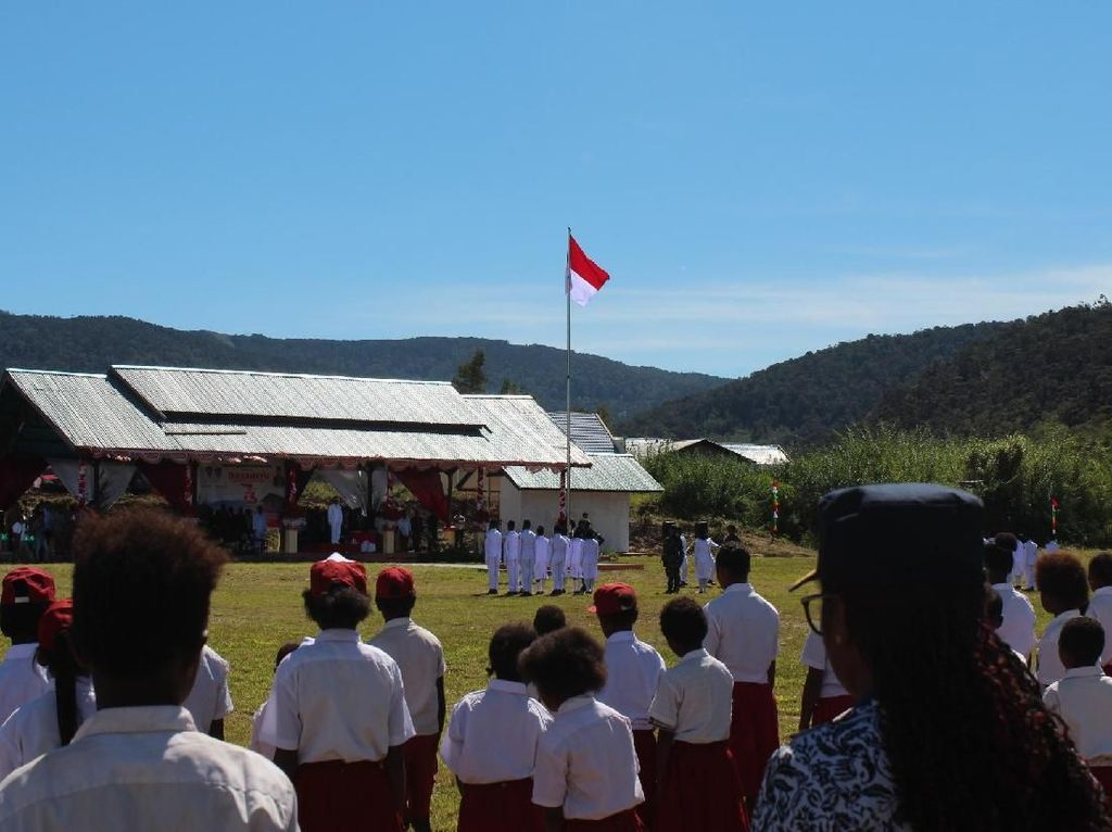 Merasakan HUT Kemerdekaan di Pedalaman Papua Barat yang Cantik Banget!
