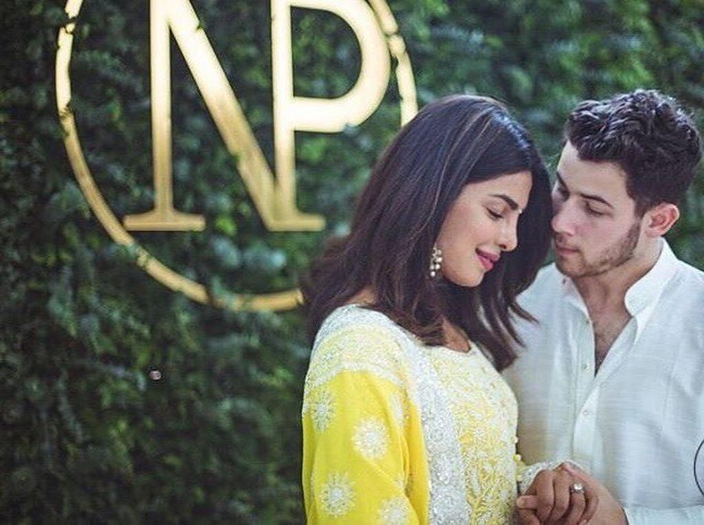 Perusahaan Ayah Bangkrut, Bagaimana Nasib Pertunangan Nick-Priyanka?