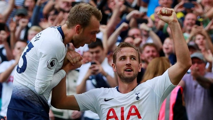 Soccer Football - Premier League - Tottenham Hotspur v Fulham - Wembley Stadium, London, Britain - August 18, 2018   Tottenhams Harry Kane celebrates with Christian Eriksen after scoring their third goal    Action Images via Reuters/Andrew Couldridge    EDITORIAL USE ONLY. No use with unauthorized audio, video, data, fixture lists, club/league logos or