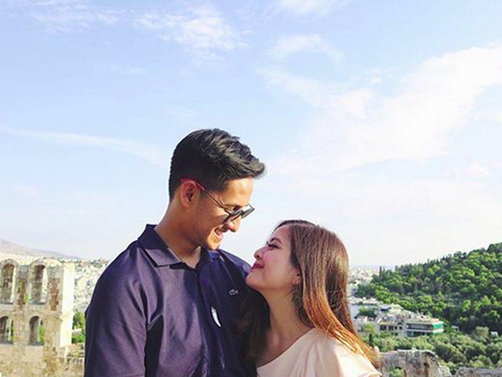 Pijat Kaki Suami, Tasya Kamila: Sudah Dicuci Belum Nih?