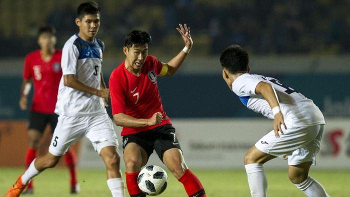 Korea Selatan lolos ke babak 16 besar cabang sepakbola putra Asian Games 2018 berkat gol Son Heung-min (Foto: ANTARA FOTO/INASGOC/Novrian Arbi)